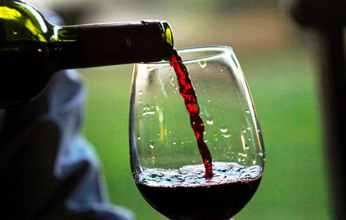 http://fit4brain.com/wp-content/uploads/2015/12/wine.jpg